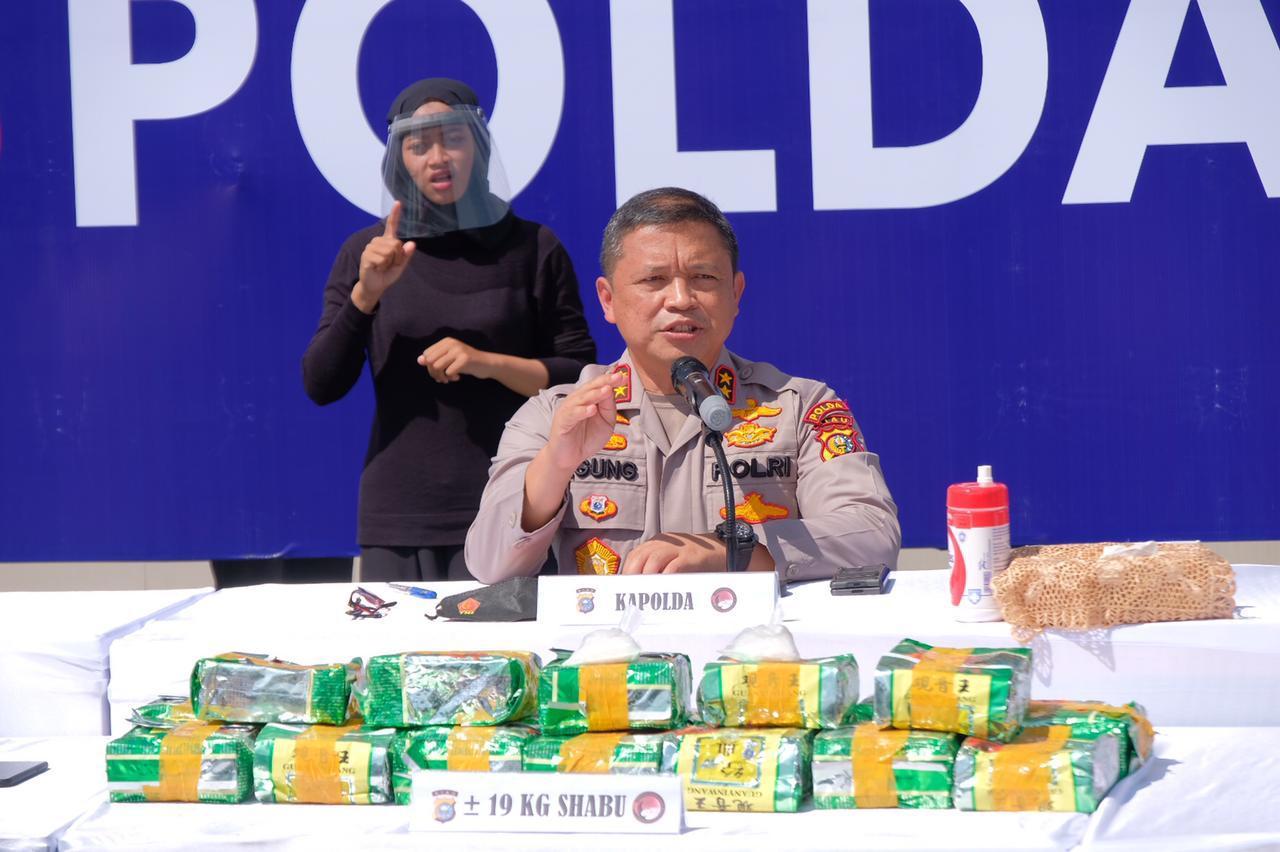 Kapolda Ekspos Penangkapan 19 Kg Shabu dan 500 Butir Pil Ekstasi Di Jajaran Polda Riau