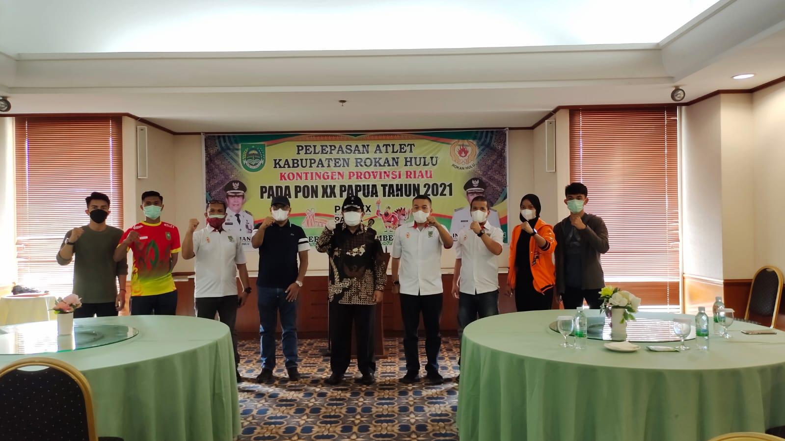 Bupati Rohul Lepas Atlet Asal Negeri Seribu Suluk Menuju PON XX Papua