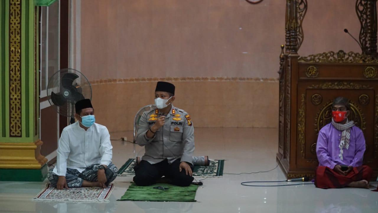Safari Shubuh di Masjid Tandun, Kapolres Rohul Imbau Tetap Patuhi Prokes