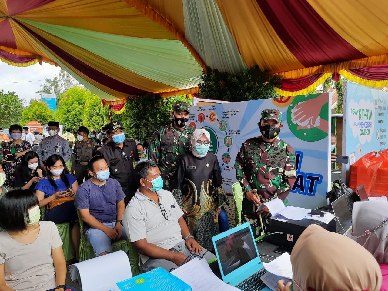 Pangdam I/BB serta Danrem 031/WB berkunjung Ke Inhu, Berikan Apresiasi Pemberian Vaksinasi di Puskesmas Sipayung Rengat