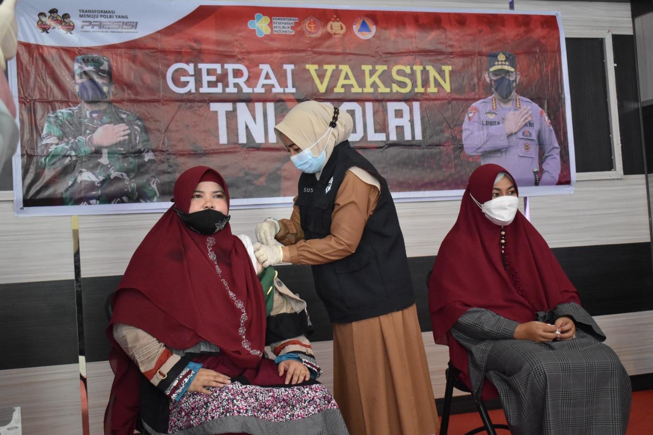 Polres Kampar Kembali Gelar Vaksinasi Untuk Bhayangkari dan Keluarga Personel