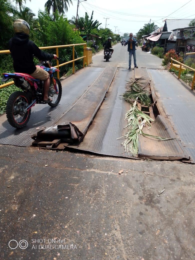 Masyarakat Tegaskan Jembatan Yang Rusak Berat Ini Segera Diperbaiki,Provinsi Riau Harus Cepat Tanggap